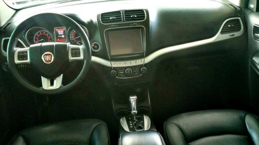 Fiat Freemont 2.4 16V Emotion (Aut) - Foto #3