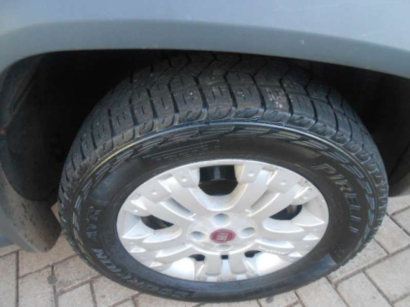 Fiat Strada Adventure Locker 1.8 16V E.TorQ (Cabine Estendida) - Foto #7