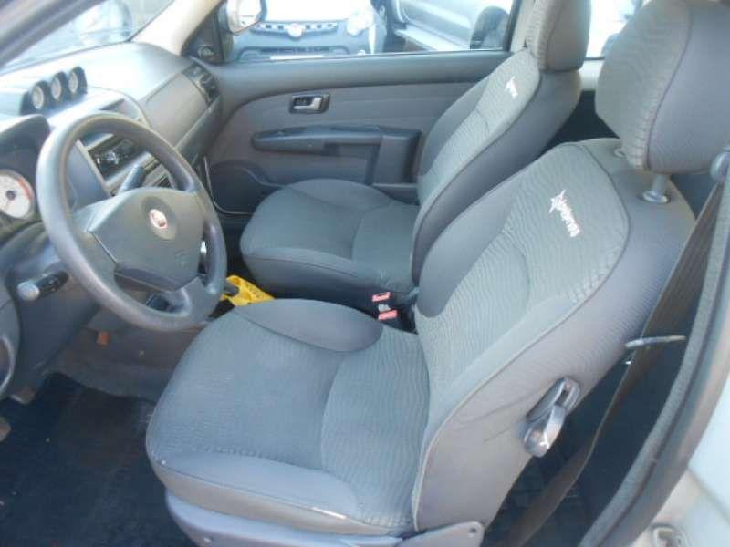 Fiat Strada Adventure Locker 1.8 16V E.TorQ (Cabine Estendida) - Foto #8