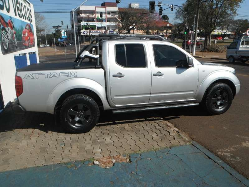 Nissan Frontier SE Attack 2.5 4X4 (Cabine Dupla) - Foto #2