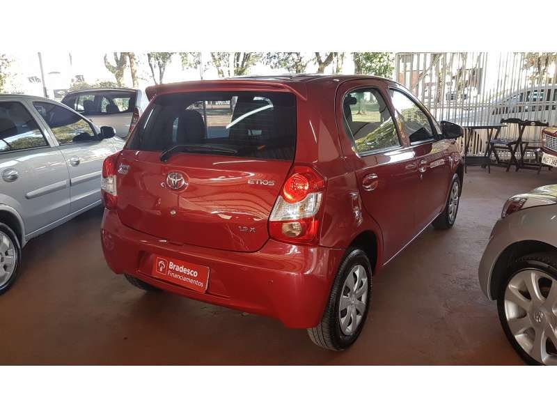 Toyota Etios 1.3 (Flex) - Foto #3