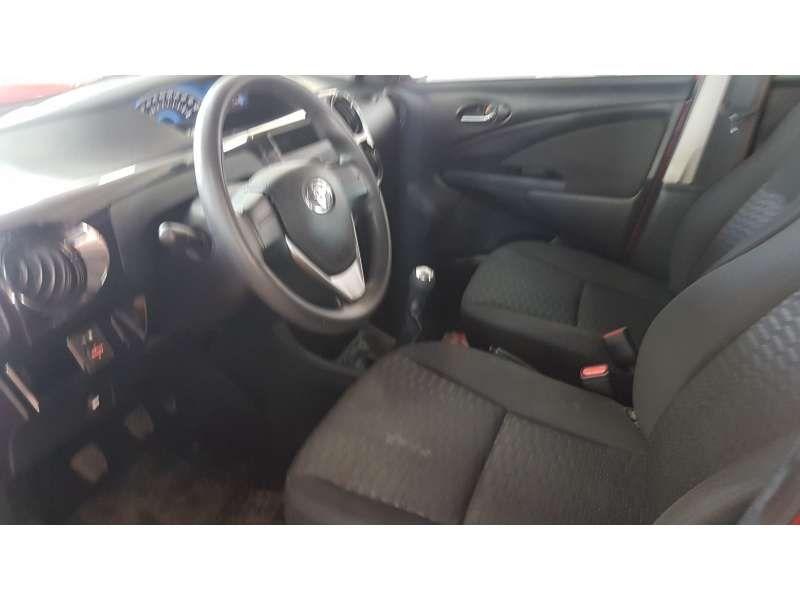 Toyota Etios 1.3 (Flex) - Foto #8