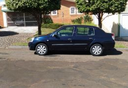 Renault Clio Sedan Expression 1.6 16V (flex)