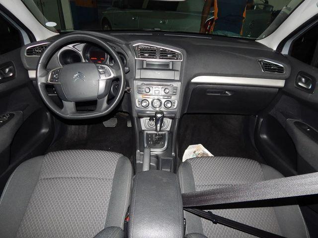 Citroën C4 Lounge Exclusive 2.0i 4c 16V - Foto #4