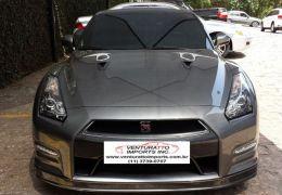 Nissan GT-R Twin-Turbocharged 3.8 Bi-Turbo V6 24V