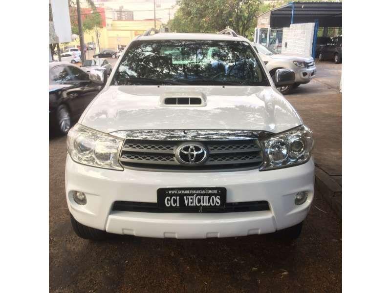 Toyota Hilux SW4 SRV 3.0 4X4(7 Lugares) - Foto #1