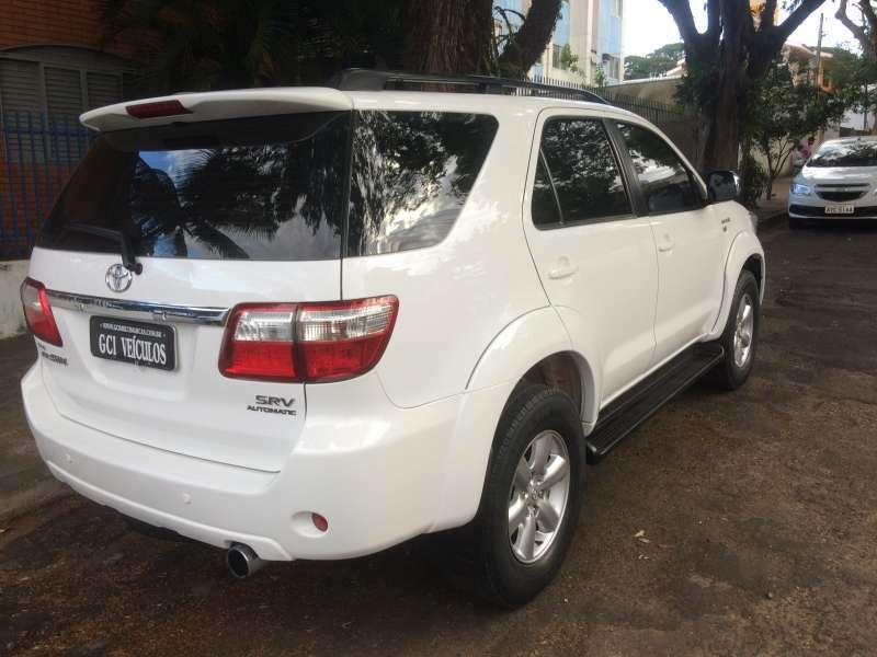 Toyota Hilux SW4 SRV 3.0 4X4(7 Lugares) - Foto #9