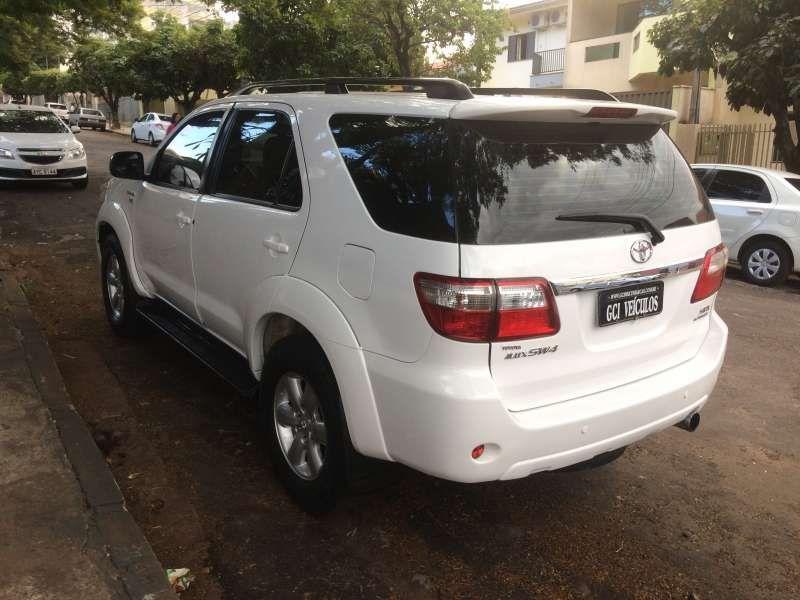 Toyota Hilux SW4 SRV 3.0 4X4(7 Lugares) - Foto #10