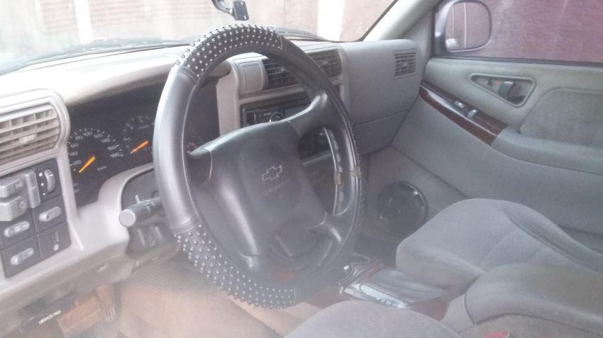 Chevrolet Blazer DLX 4x2 4.3 SFi V6 - Foto #6