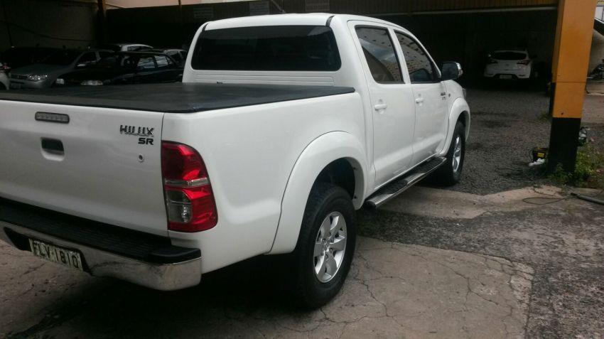 Toyota Hilux 2.7 Flex 4x2 CD SR (Aut) - Foto #1