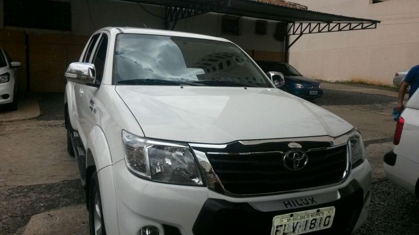 Toyota Hilux 2.7 Flex 4x2 CD SR (Aut) - Foto #2