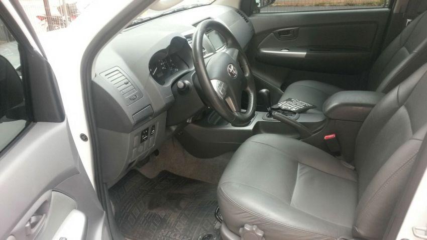 Toyota Hilux 2.7 Flex 4x2 CD SR (Aut) - Foto #7