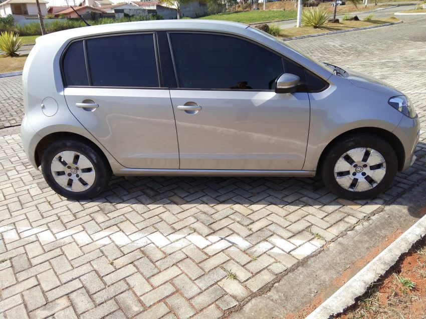 Volkswagen Up! 1.0 12v Move-Up 4p - Foto #5