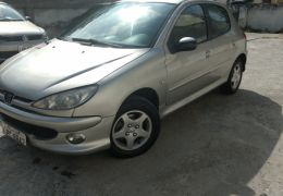 Peugeot 206 Hatch. Automatic 1.6 16V (flex)