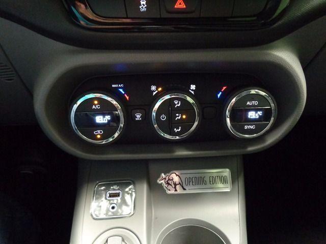 Fiat Toro Freedom + Opening Edition 1.8 16v AT6 - Foto #5