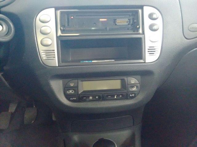 Citroën C3 Exclusive 1.4i 8V Flex - Foto #5