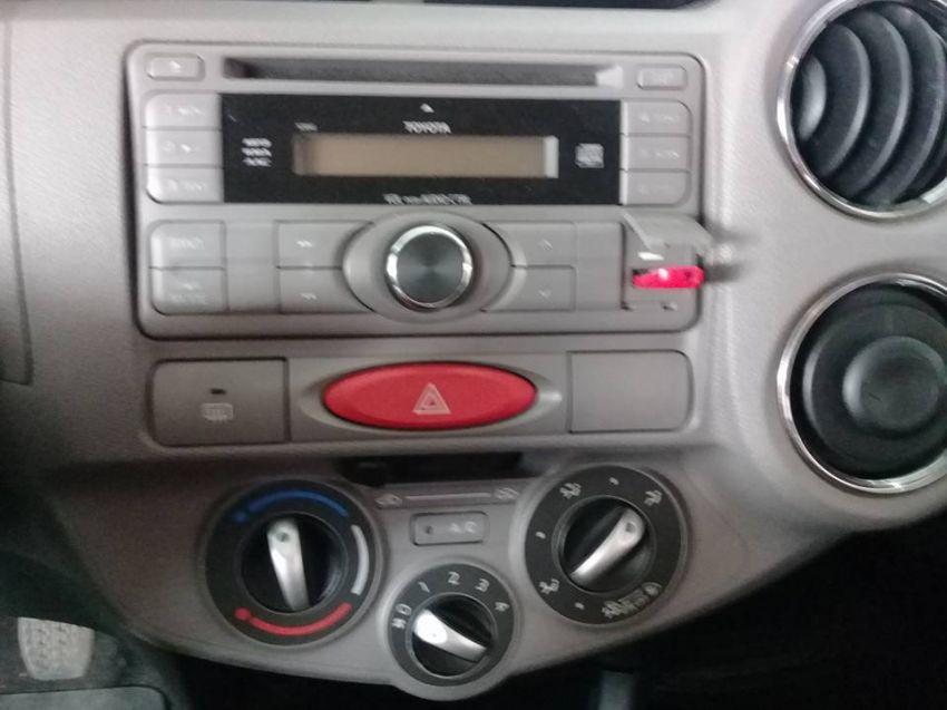 Toyota Etios XLS 1.5 (Flex) - Foto #7