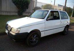 Fiat Uno Attractive 1.0 8V (flex) 4p