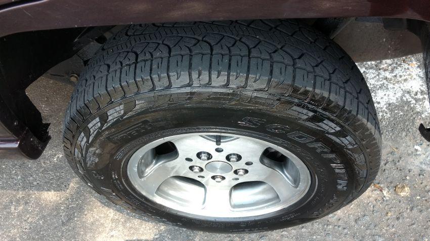 Jeep Cherokee Sport 4.0 - Foto #7