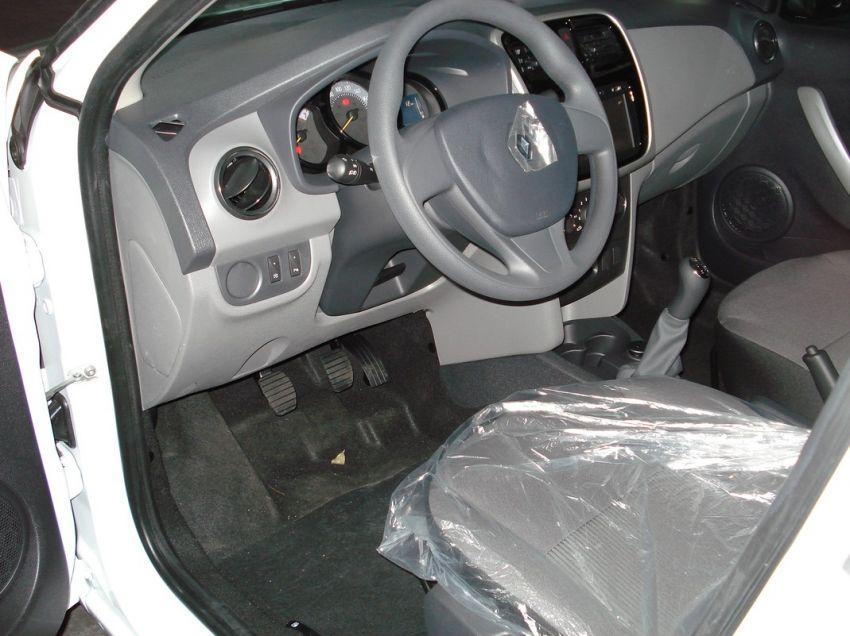 Renault Logan 1.6 16V Sce Expression - Foto #7