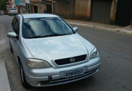 Chevrolet Astra Hatch 2.0 8V 2p