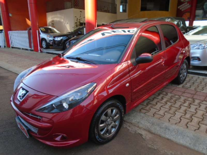 Peugeot 207 Hatch XR 1.4 8V (flex) 4p - Foto #2