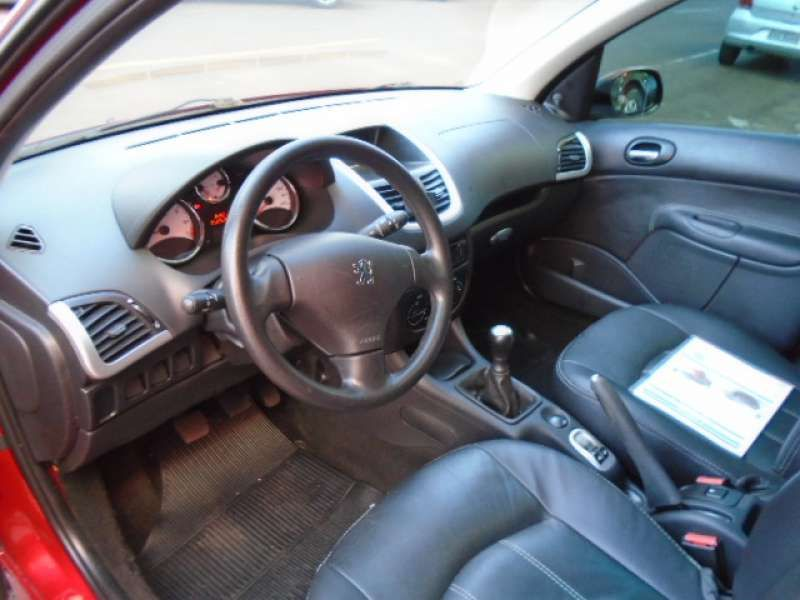 Peugeot 207 Hatch XR 1.4 8V (flex) 4p - Foto #7