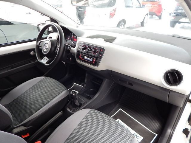 Volkswagen up! Move 1.0l MPI Total Flex - Foto #9