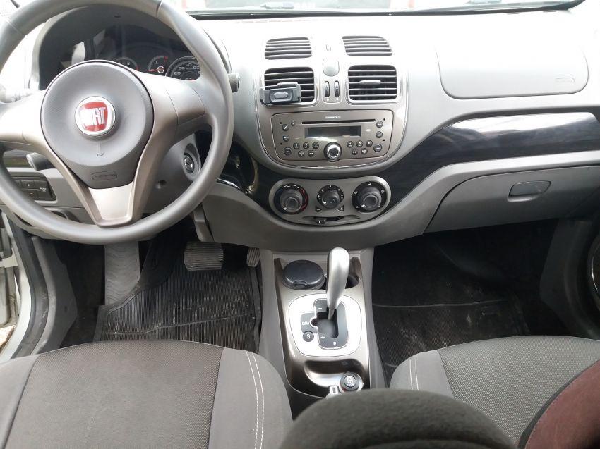 Fiat Grand Siena Essence Dualogic 1.6 16V (Flex) - Foto #4