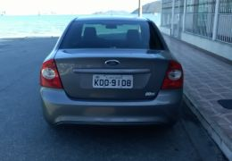 Ford Focus Sedan 1.6 16V GLX (Flex)