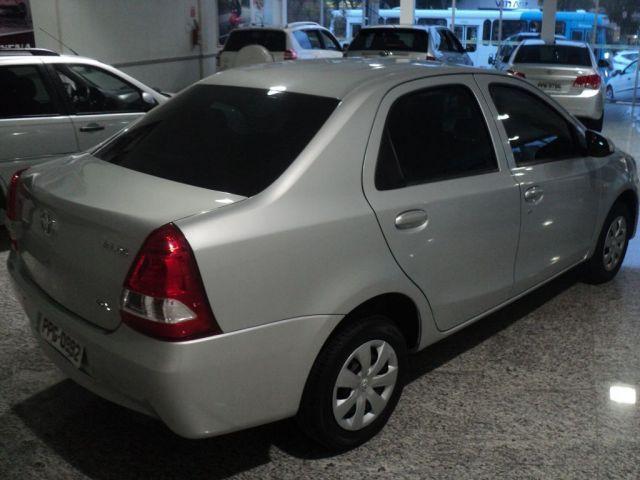 Toyota Etios Sedan X 1.5 16V Flex - Foto #4