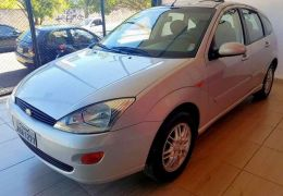 Ford Focus Hatch Ghia 2.0 16V