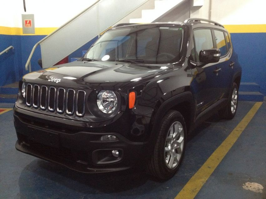 Jeep Renegade 1.8 16V Longitude - Foto #3