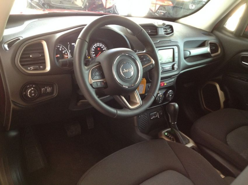 Jeep Renegade 1.8 16V Longitude - Foto #7