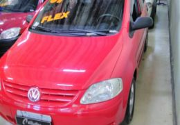 Volkswagen Fox City 1.0 8V 4p (Flex)