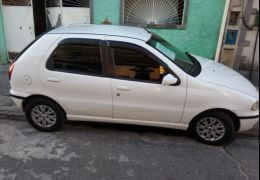 Fiat Palio 1.6 MPi 16V 4p