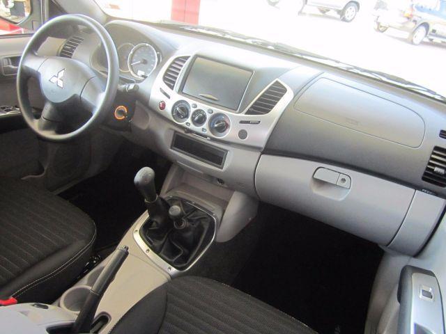 Mitsubishi L200 GL Triton 4X4 Cabine Dupla 3.2 Turbo Intercooler 16V - Foto #6