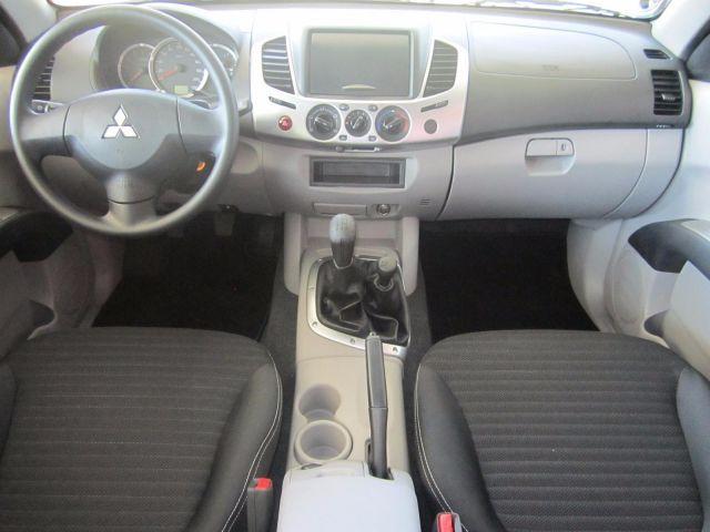 Mitsubishi L200 GL Triton 4X4 Cabine Dupla 3.2 Turbo Intercooler 16V - Foto #7