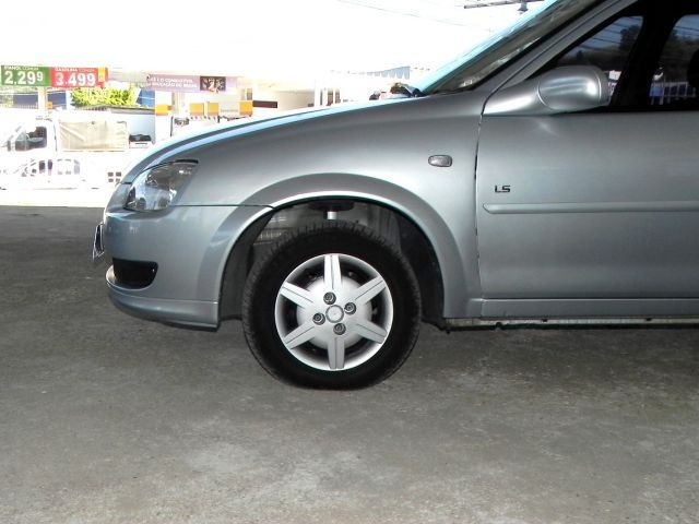 Chevrolet Classic LS 1.0 Mpfi VHCE 8V Flexpower - Foto #3