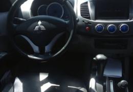 Mitsubishi L 200 Triton HPE 4x4 3.2 (aut)