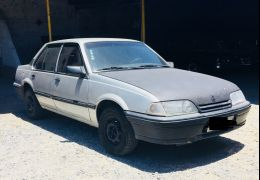 Chevrolet Monza Sedan GLS 2.0 MPFi