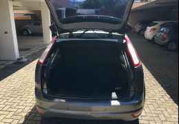 Ford Focus Hatch Titanium 2.0 16V (Aut)