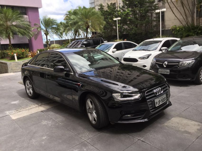 Audi A4 1.8 20V (aut) - Foto #5