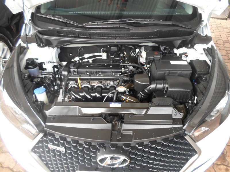 Hyundai HB20 1.6 R Spec - Foto #9