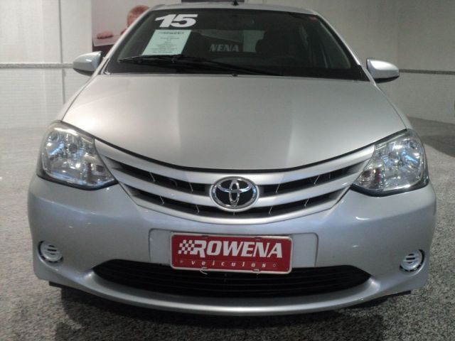 Toyota Etios Sedan X 1.5 16V Flex - Foto #2