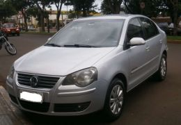 Volkswagen Polo Sedan Comfortline 1.6 8V I-Motion (Flex) (Aut)