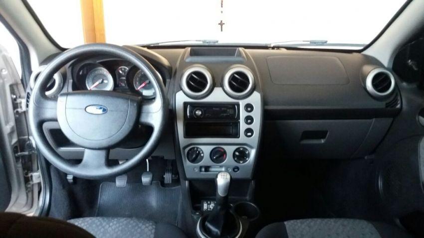 Ford Fiesta Hatch Class 1.0 MPi 4p - Foto #4