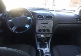 Ford Focus Sedan Ghia 2.0 16V (Flex)