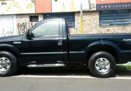 Ford F-250 XLT 4x2 3.9 (Cab Simples)