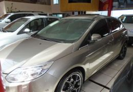 Ford Focus Hatch Titanium 2.0 16V PowerShift